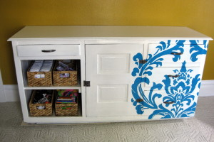 Nursery: Changing Table {Paint using a Projector!}