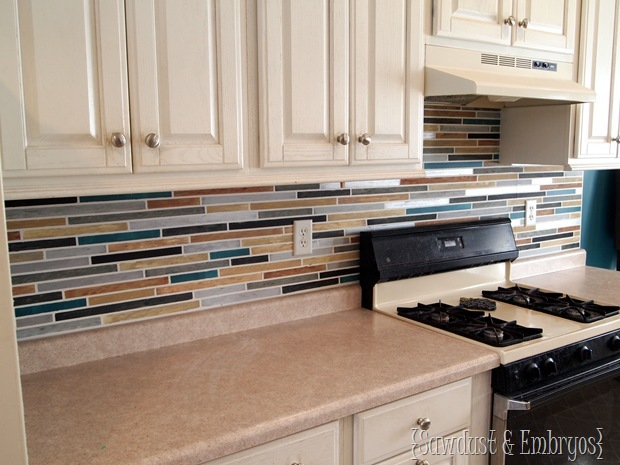 How to paint a backsplash to look like tile reality daydream for Can you wallpaper over tiles