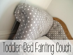 Make a Fainting Couch Toddler Bed that fits a standard crib mattress! {Reality Daydream}
