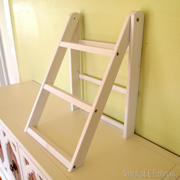 Tutorial Mini Ladder Shelf for Serving and Entertaining! {Sawdust and Embryos}