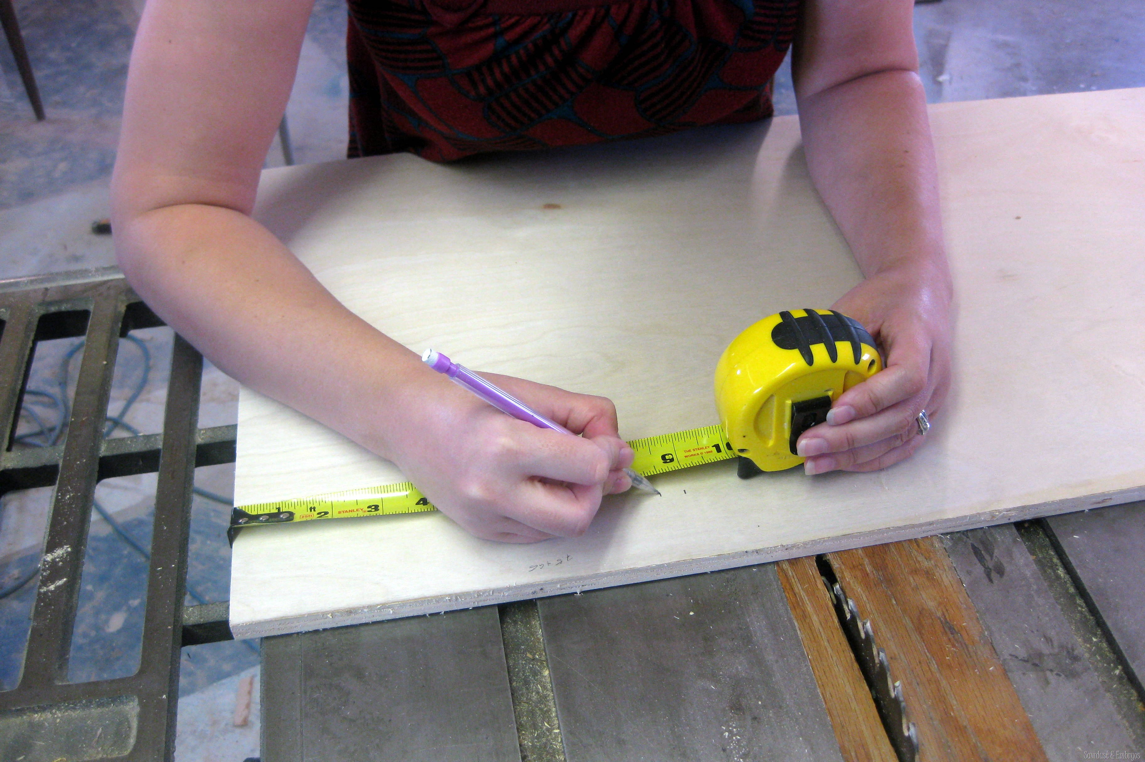 building a tablet or recipe holder for under the kitchen cabinet sawdust and