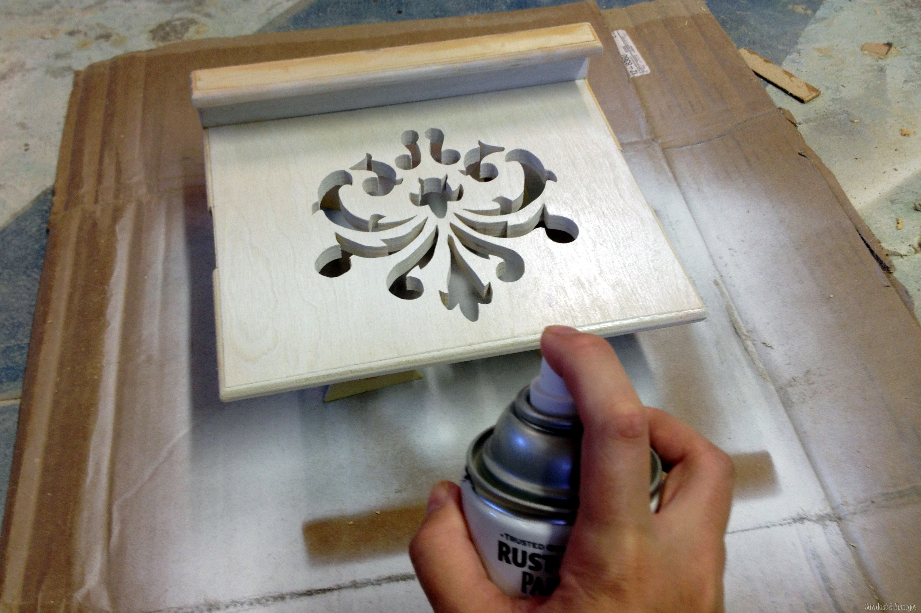 Beautiful Tablet Recipe Holder {Sawdust And Embryos}