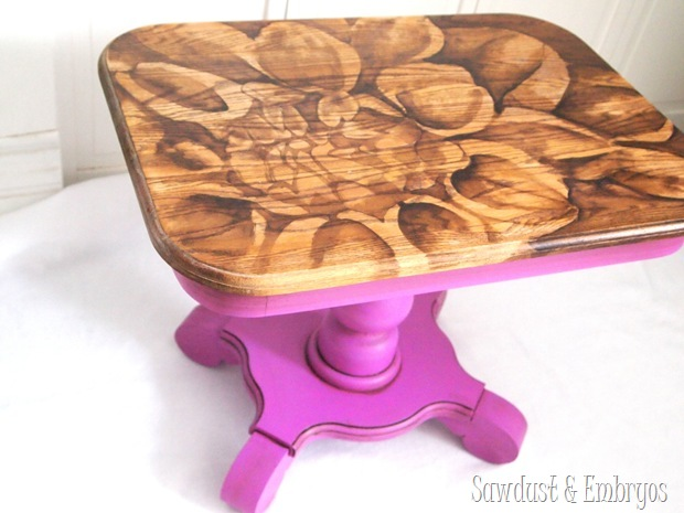 End table transformation using the 'Stained Artwork' technique and Radiant Orchid for the base {Sawdust and Embryos}