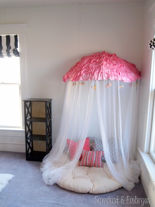 Papason chair turned Reading Nook Canopy! {Sawdust and Embryos}