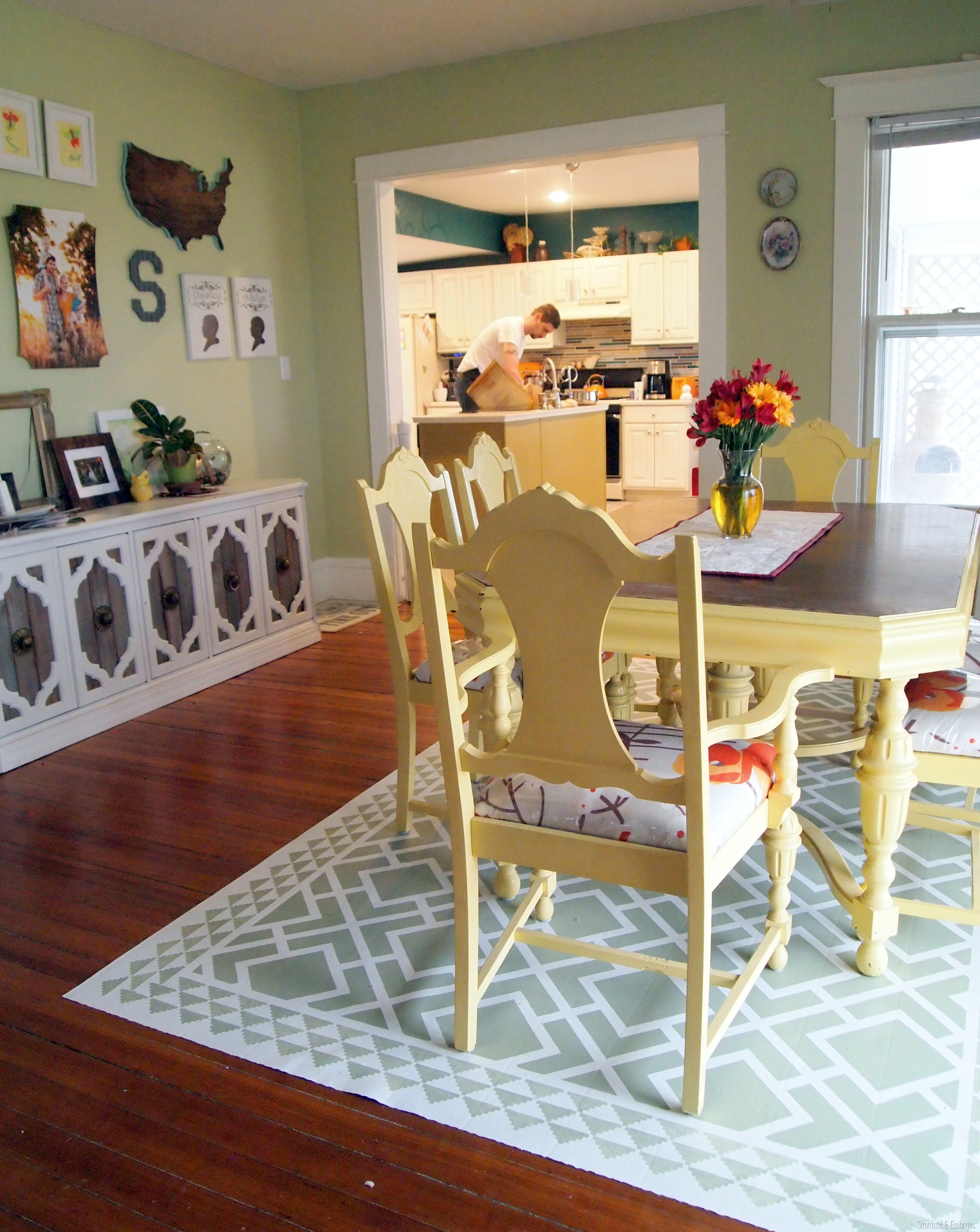 DIY Dining Room Area Rug {Painted Linoleum!} - Reality ...