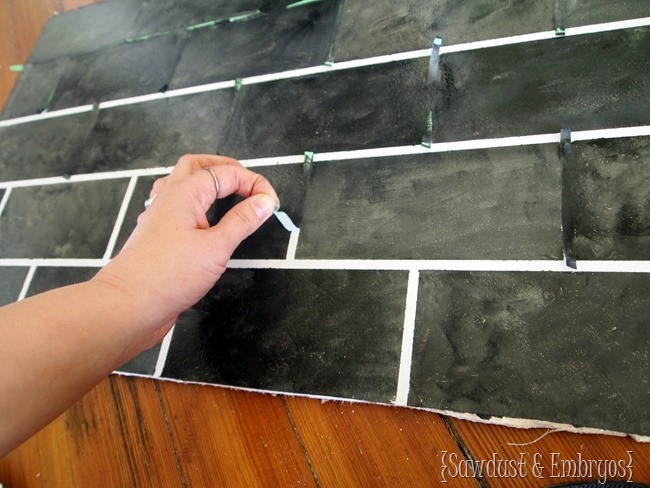 PAINTING your backsplash to resemble slate subway tiles {Sawdust and Embryos}