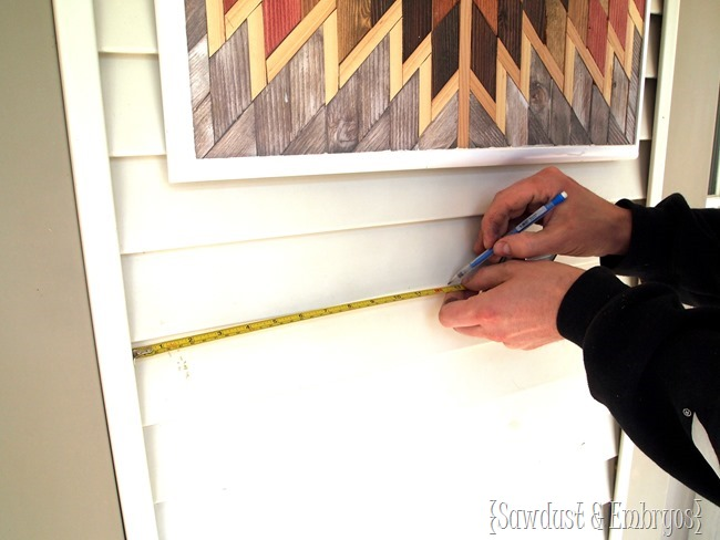 Affixing a mailbox planter to vinyl siding! {Sawdust and Embryos}