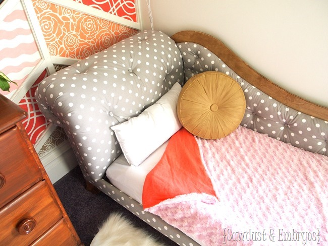 DIY Comforters for Toddler Beds {Sawdust & Embryos}