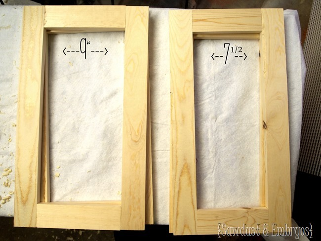 Learn how to build your own planter boxes to flank your front door! {Sawdust and Embryos}