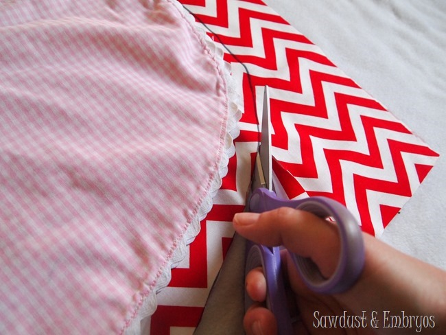 Instructions for sewing a simple wrap-around dress or shirt for toddlers {Sawdust and Embryos}