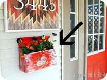 How-to-make-a-mailbox-planter-Sawdust-and-Embryos_thumb