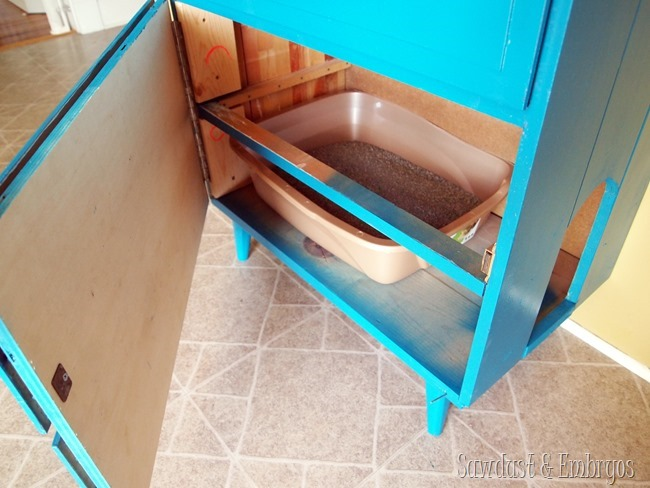 Little dresser turned into LITTER Dresser! {Sawdust & Embryos}
