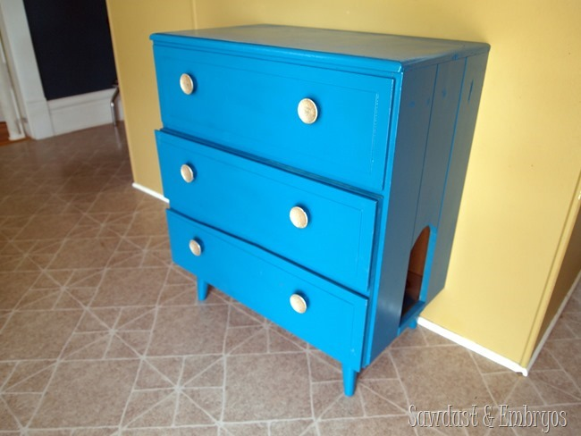 Little dresser turned into a secret litter box getaway for kitty! {Sawdust and Embryos}