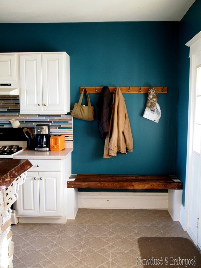 Built-in Bench for kitchen mudroom area {Sawdust and Embryos}
