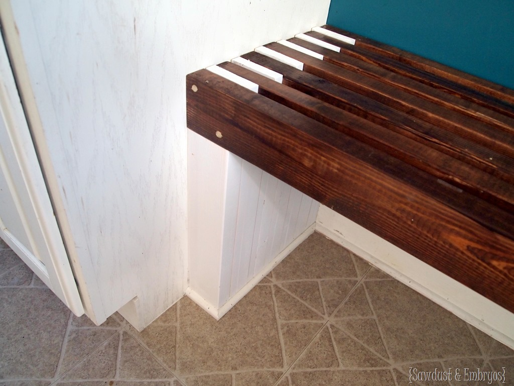 Built-in Mudroom Bench {Kitchen} - Reality Daydream