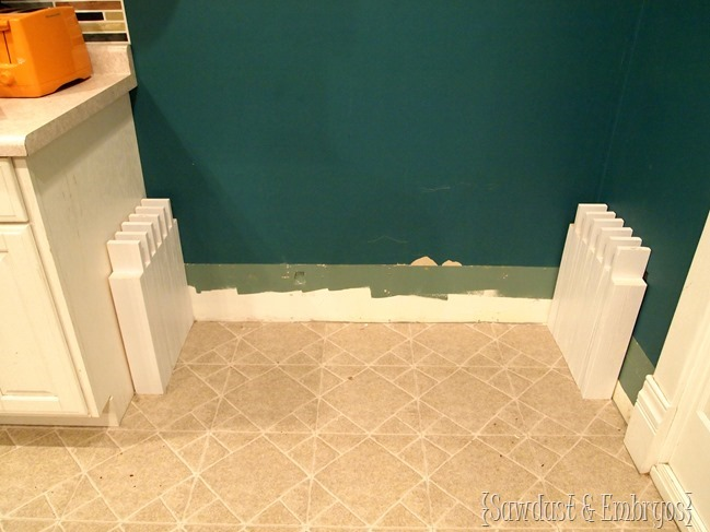Making a built-in mudroom bench in kitchen {Sawdust and Embryos}