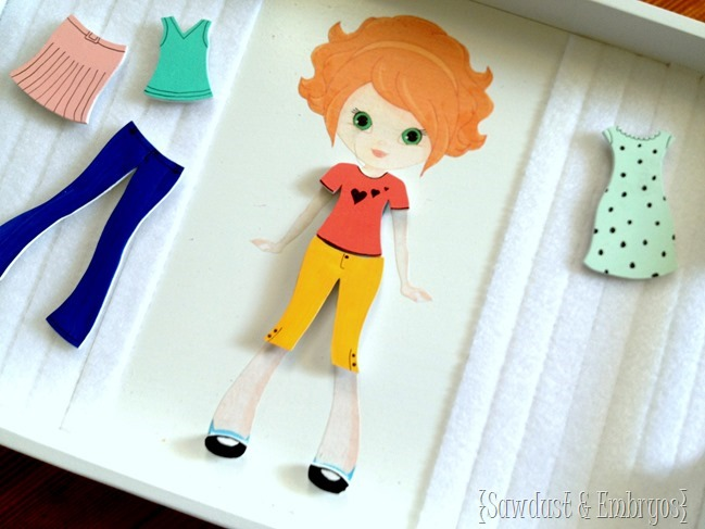 Paper Doll Tray Tutorial with little wooden clothing items... completely customizable! {Sawdust and Embryos}