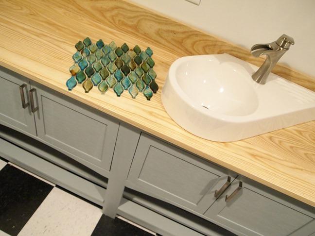 Backsplash tile! Going up sooooon! {Sawdust and Embryos}