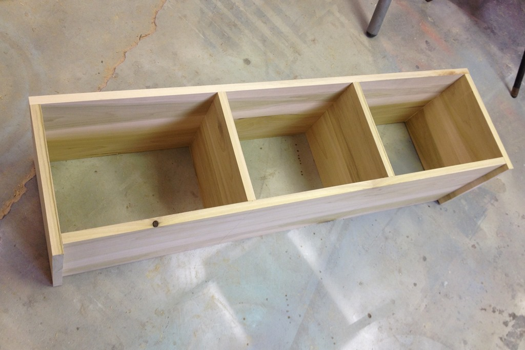 Rolling mudroom bench with cubbies reality daydream for Building a mudroom bench