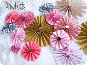 DIY-Pinwheels-using-scrapbooking-paper-and-vintage-buttons-Sawdust-and-Embryos_thumb