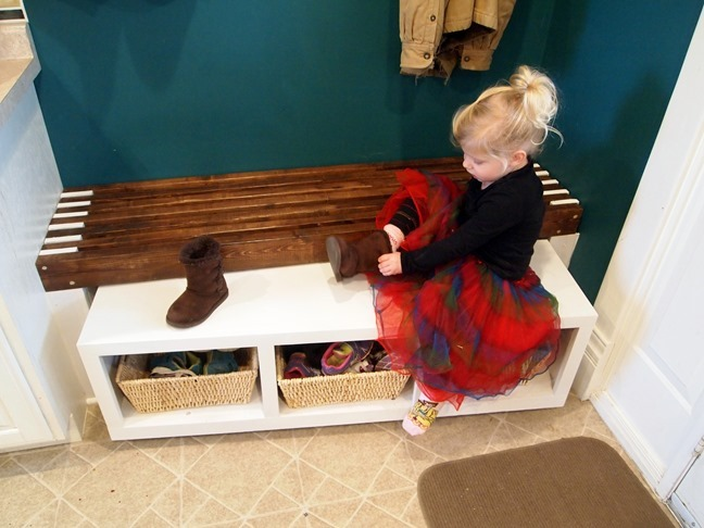 Mudroom bench with slide-out cubby bench for the littles! {Sawdust and Embryos}