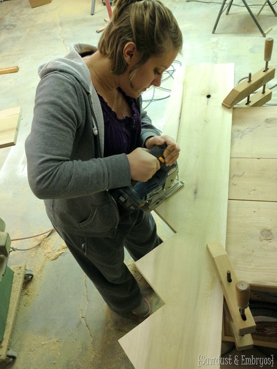 Build cubbies for your mudroom... super simple!! [Sawdust and Embryos}