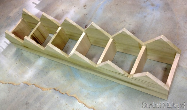 Making custom cubbies for the mudroom! {Sawdust and Embryos}