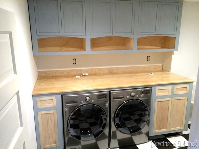 Building custom shaker cabinets for laundry room {Sawdust and Embryos}