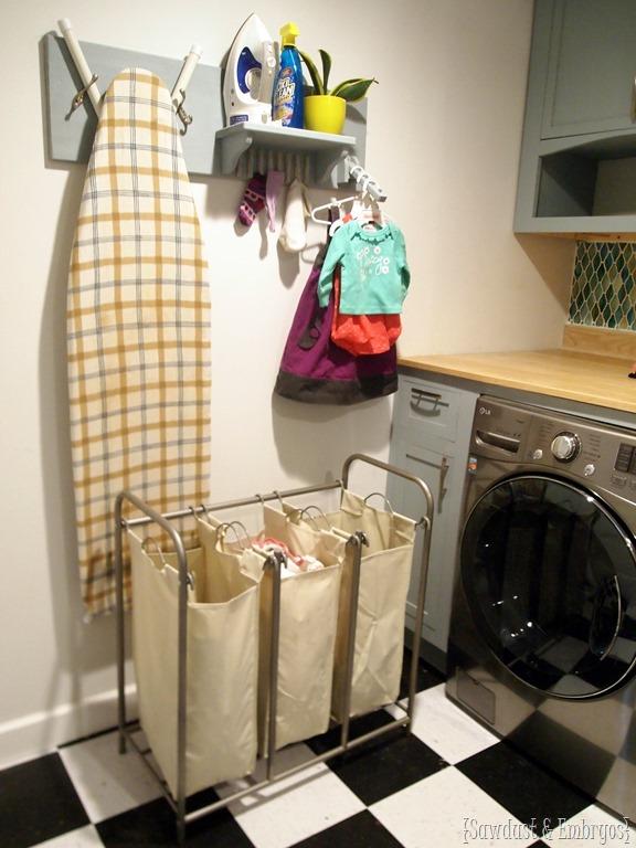 Diy Hanging Shelf For Laundry Room Laundry Organization