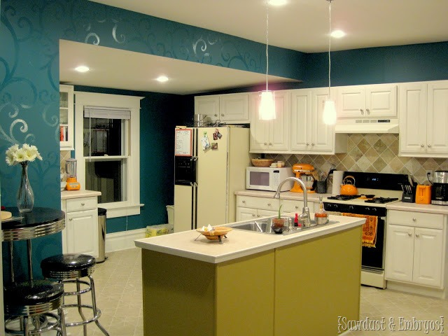 The kitchen is no longer teal - Reality Daydream