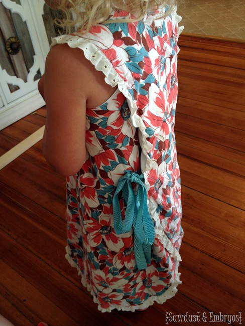 Easy wrap-around pinafore dress for little girls... free pattern! {Sawdust and Embryos}