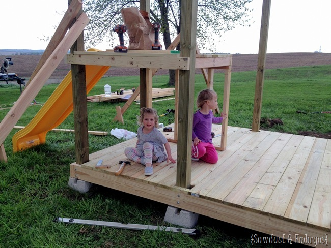 Paisley and Della helping build their playhouse! {Sawdust and Embryos}