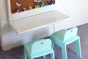 Wall-mounted Secretary Desk for Kids