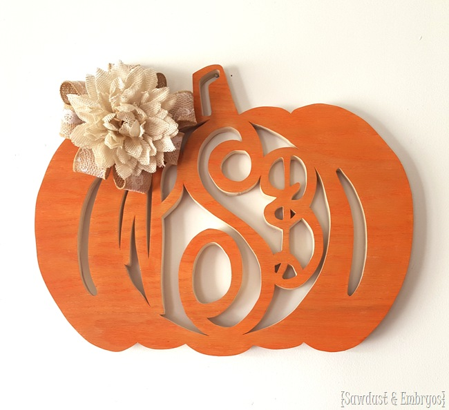 Make your own fall-themed monogram wreath (either pumpkin-shaped or spider web-shaped!) -Sawdust&Embryos