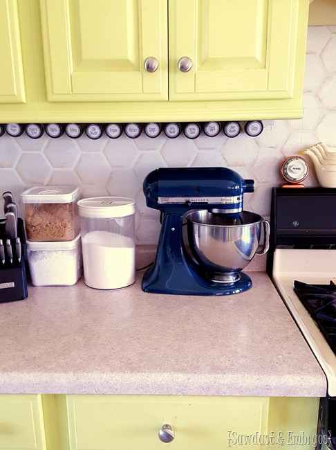 Detailed instructions on how to PAINT your own Kitchen Aid Mixer... and have it look professional! {Sawdust and Embryos}