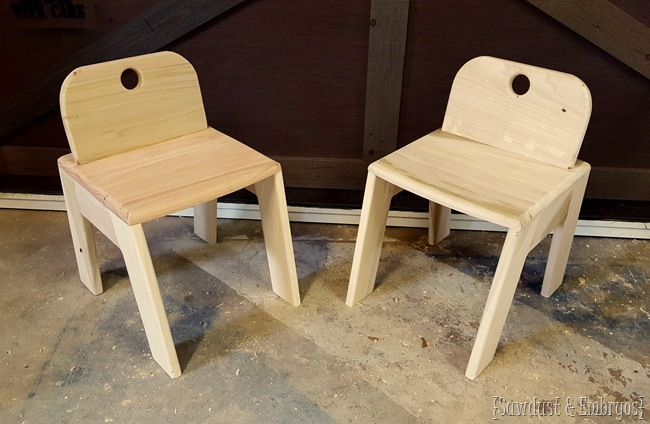 Free Building Plans for these cute kid's chairs! {Sawdust and Embryos}