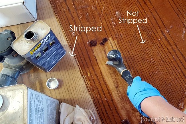 Stripping an oak dining table in preparation to do some WOOD STAIN ART! {Sawdust and Embryos}