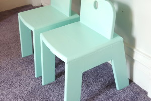 Children's Chairs {Land of Nod Knock-Off}