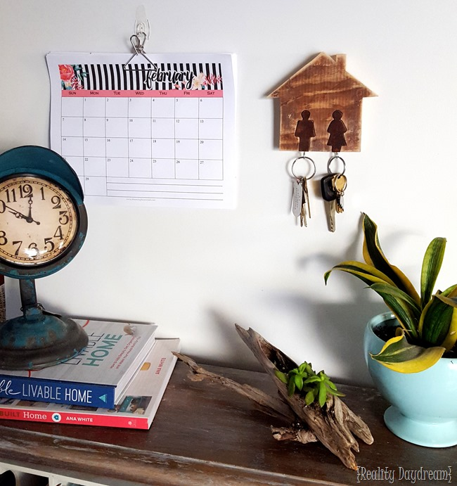 His-Hers Key Rack Tutorial... using a scroll saw! {Reality Daydream}