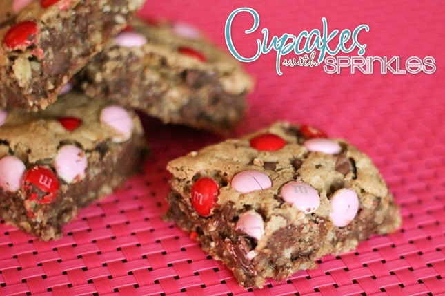 Oatmeal Chocolate Chip Bars {Cupcakes with Sprinkles}