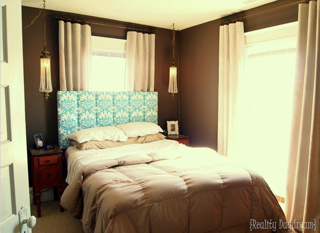 SUCH a smart fix to that epic problem of having a headboard in front of a window! (Reality Daydream) (2)