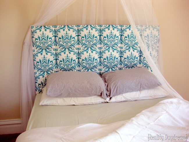 Suuuuper simple DIY Upholstered Headboard {Reality Daydream}