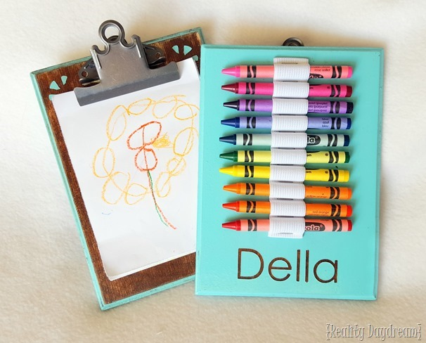 Make this reversible coloring tablet to keep your kids busy on long drives and in the waiting room at the doctor's office! Clipboard on one side... crayons on the other! (Reality Daydream)