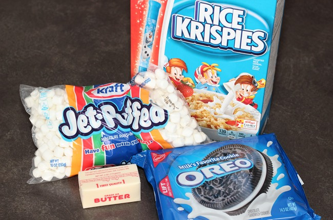 Only 4 ingredients to make Oreo Rice Krispy Treats!