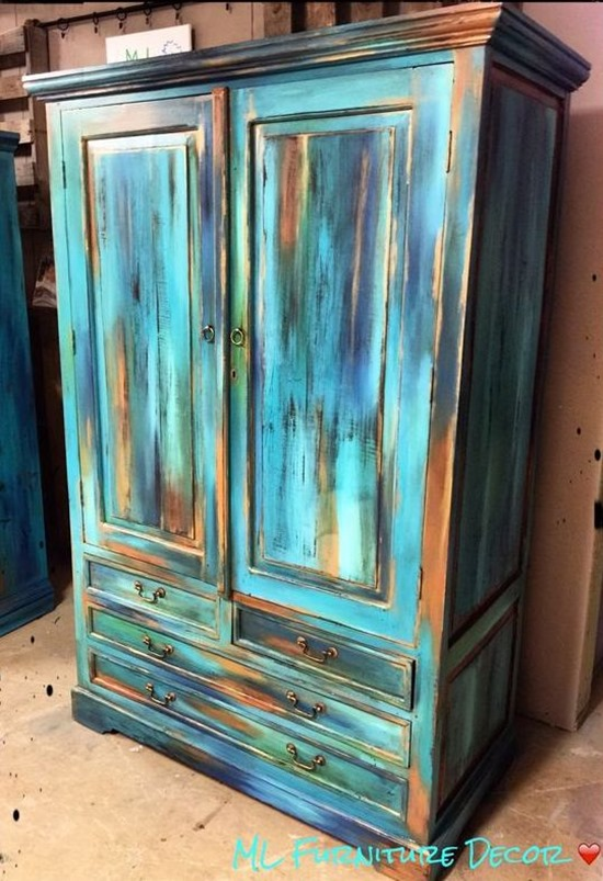 Unique and eye-catching paint technique called 'Bermuda Blending' ...step - Bermuda Blending - A Furniture Finishing Technique Reality Daydream