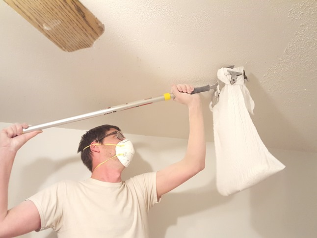 Scraping off popcorn ceilings {Reality Daydream}