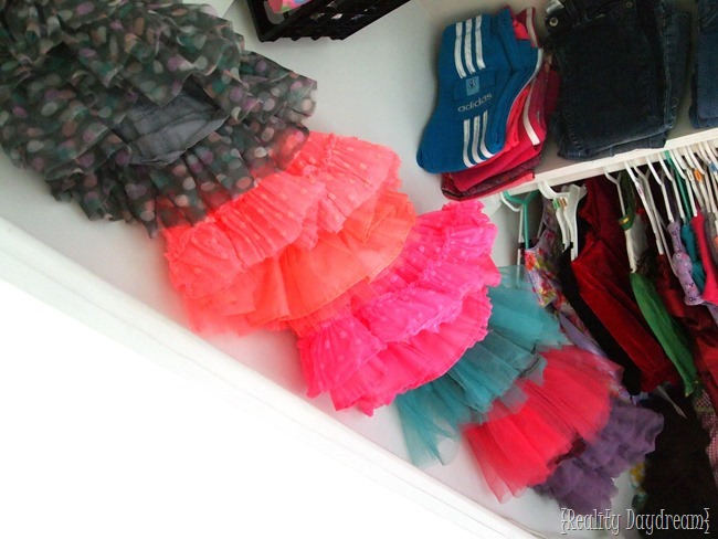 Tutu storage ideas in little girls' closet! -Reality Daydream