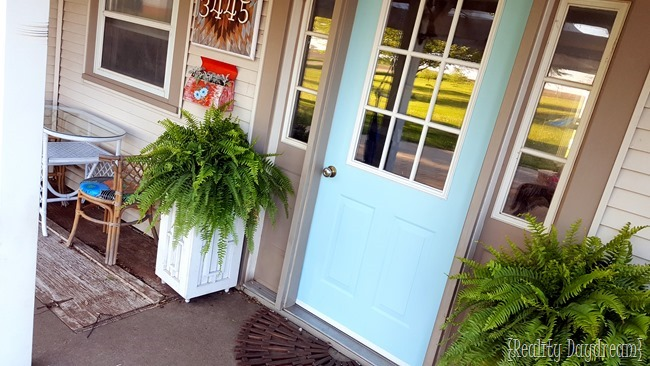 Welcoming porch ideas and DIY projects... and FAVE front door paint! {Reality Daydream}