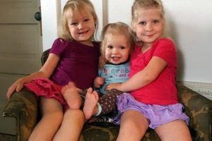 Adelyn and Paisley's 5th Birthday and Annual Willow Tree Pics