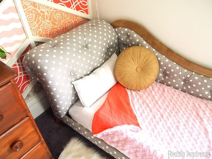 Darling Fainting Couch Toddler Beds by Reality Daydream